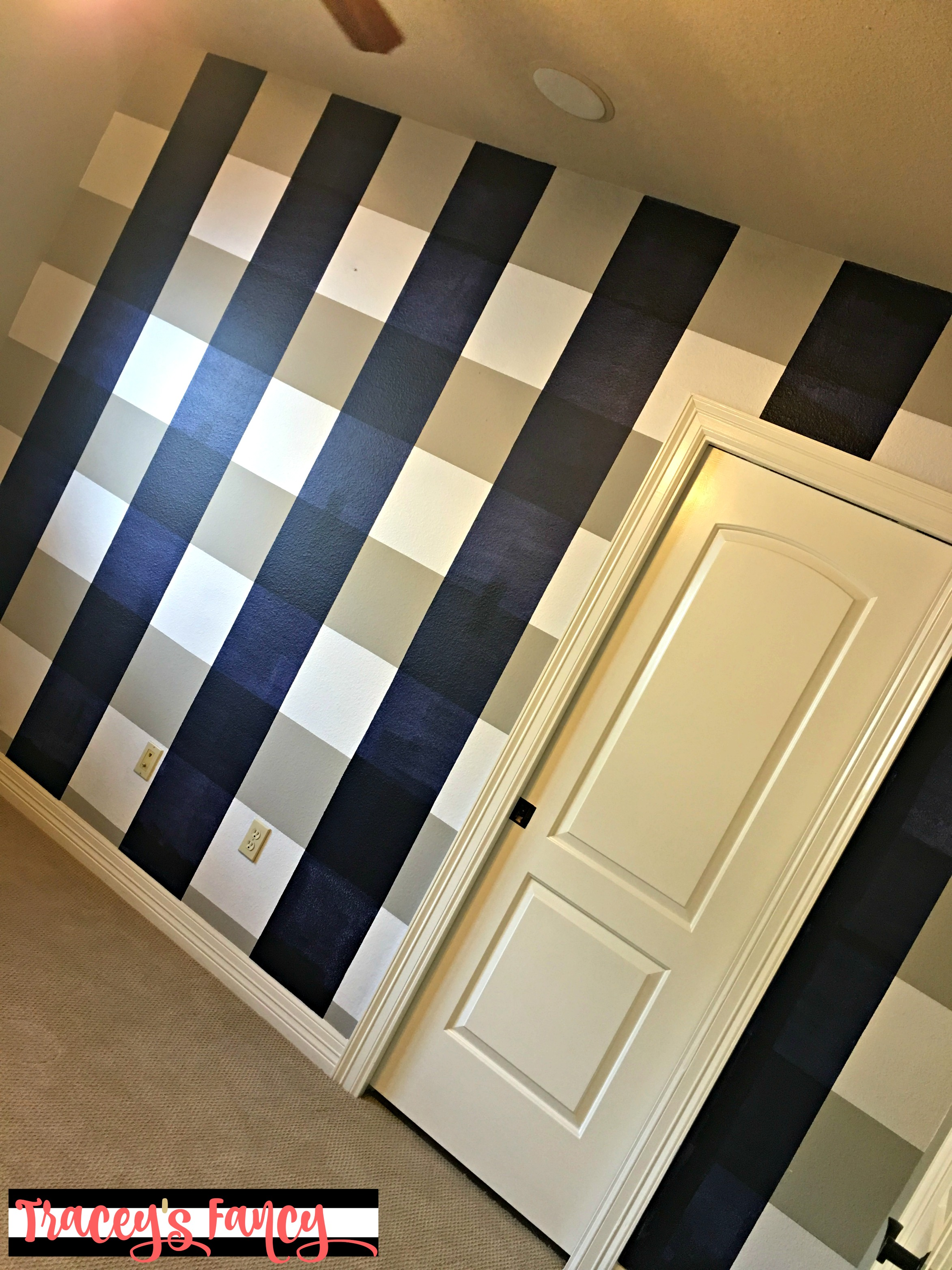 Accent Wall: DIY Buffalo Check Wall | Tracey\'s Fancy