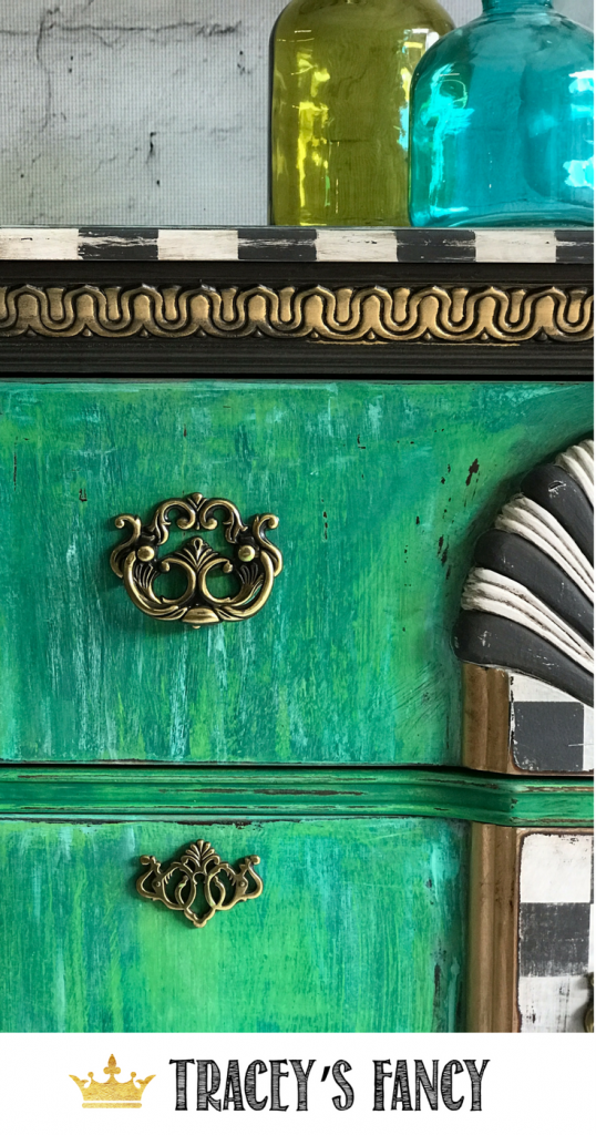 Green Grunge Dresser by Tracey's Fancy | Layered Paint Finish | Boho Paint Finish | Grunge Finish | Paint Drip Technique |