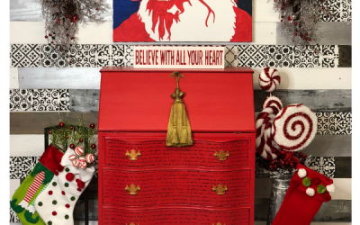 Painted Santa Desk to get you in the Christmas Spirit