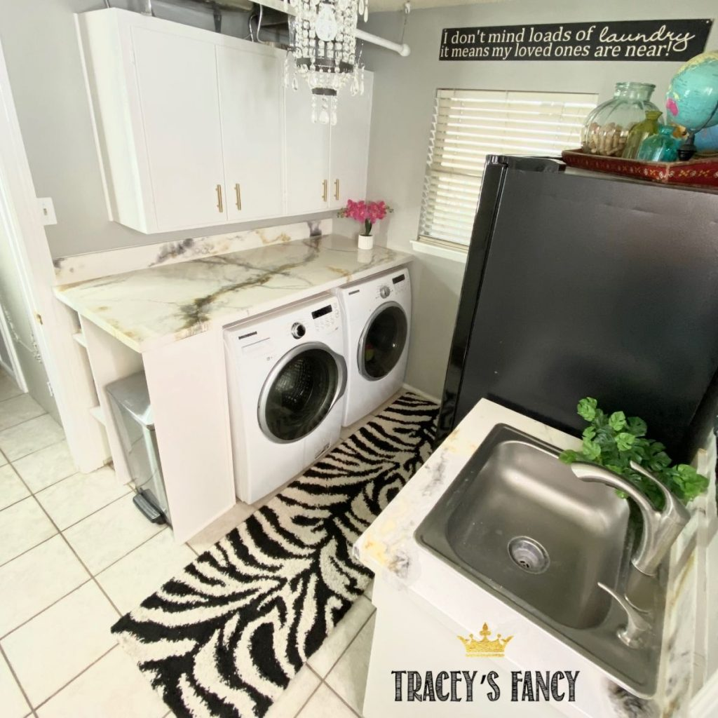 How to pour an epoxy countertop and full laundry room makeover | Traceys Fancy