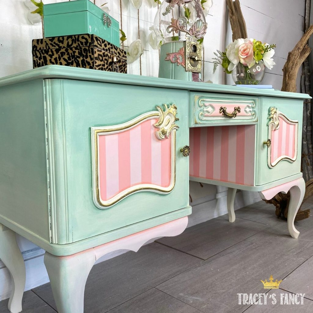 whimsical ombre painted vanity | Tracey's Fancy
