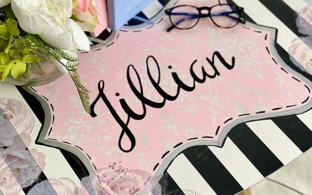 Painted TV trays: a personalized gift idea!