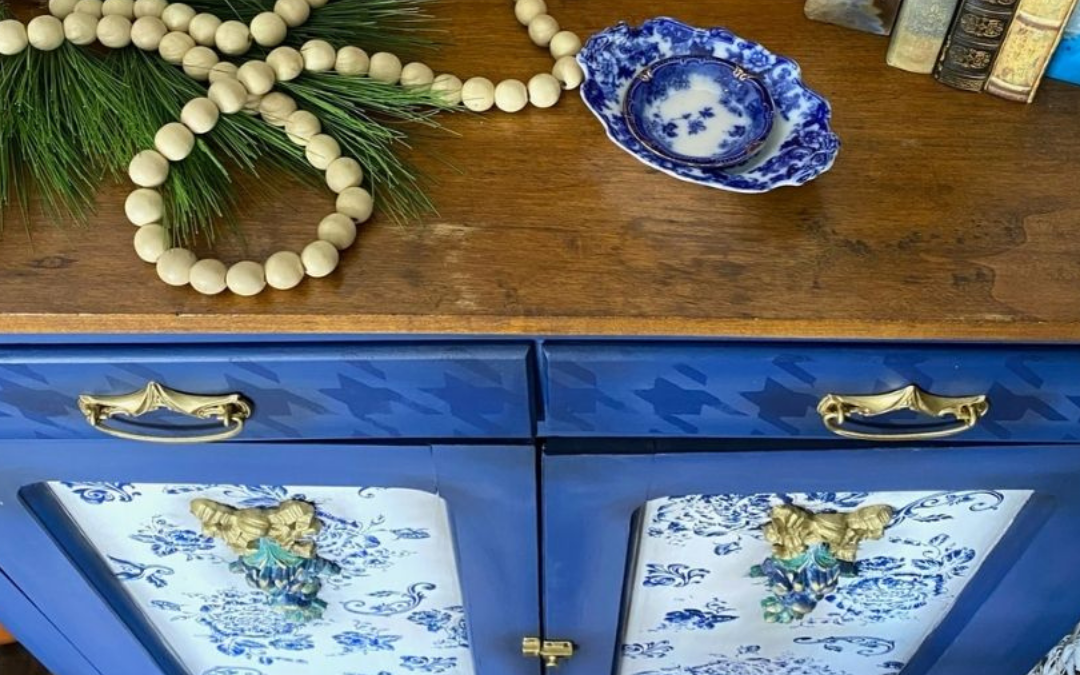 blue shaker cabinet with Dixie Belle silkscreen stencil
